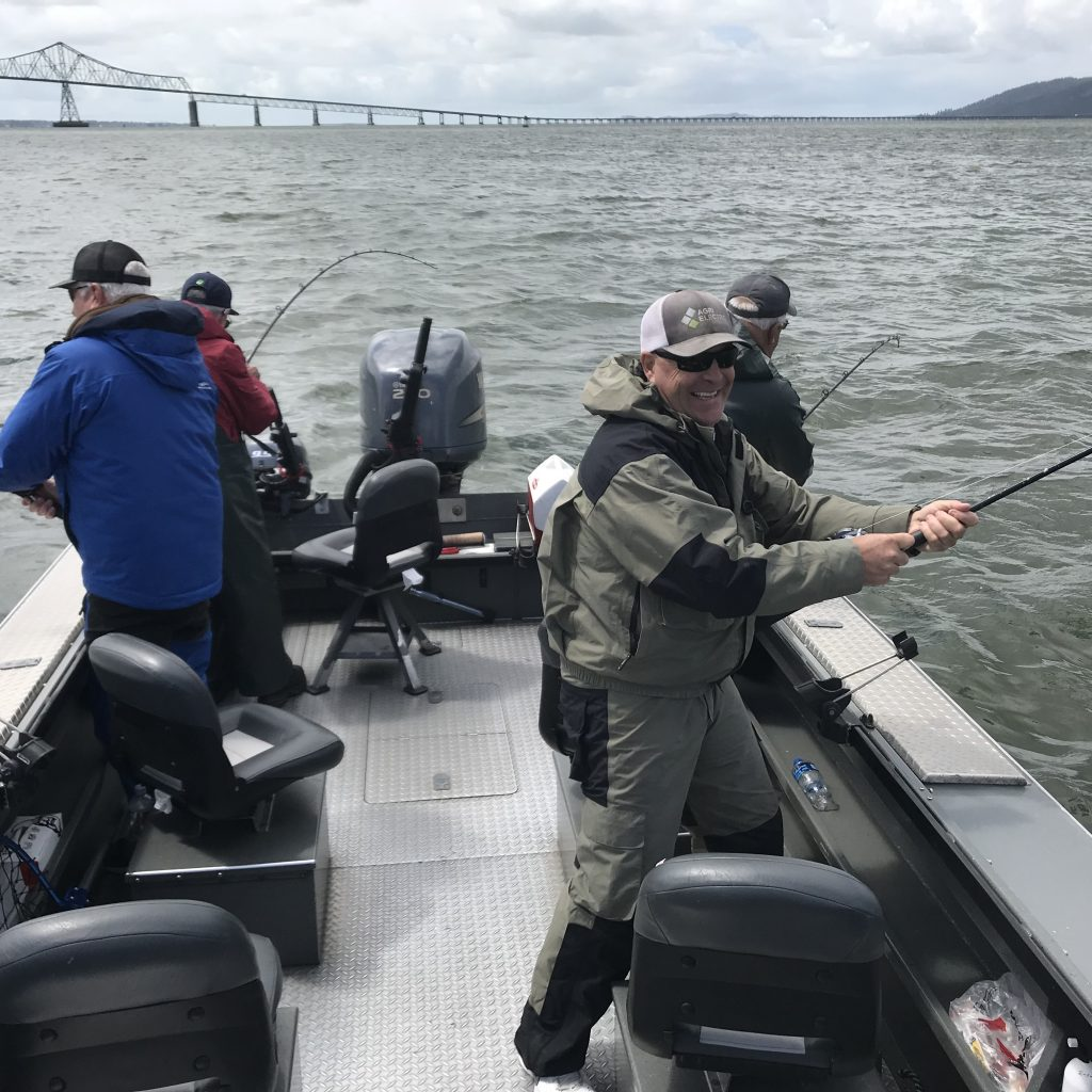 Columbia river Fishing boat - dan ponciano fishing guide